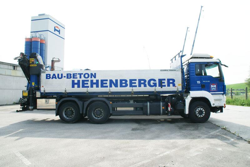 Hehenberger LKW mit Kran